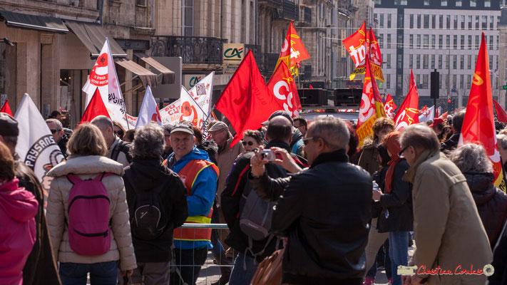 14h16 Manifestation intersyndicale de la Fonction publique/cheminots/retraités/étudiants, place Gambetta, Bordeaux. 22/03/2018