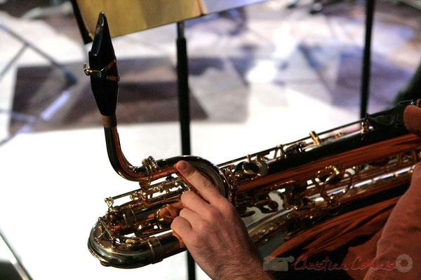 Saxophone barython. Répétition du Conservatoire Jacques Thibaud, section MMA. Festival JAZZ360 2011, Les coulisses du Festival à Cénac. 03/06/2011