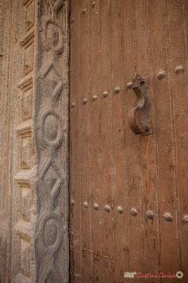Heurtoir de la porte d'entrée / Casa-palacio de Iñiguez-Abarca en venta, 14, Calle Mayor, Sangüesa, Navarra