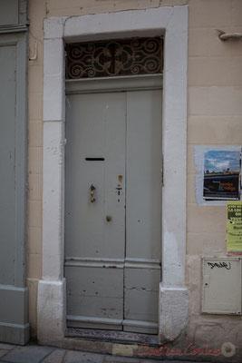 23 Porte simple à battant, Arles