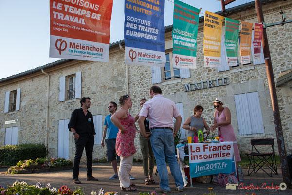Discussion autour de la précarité. Permanence mobile / Réunion de place des Insoumis de la 12ème circonscription de la Gironde. Fargues-Saint-Hilaire, 1er juin 2017