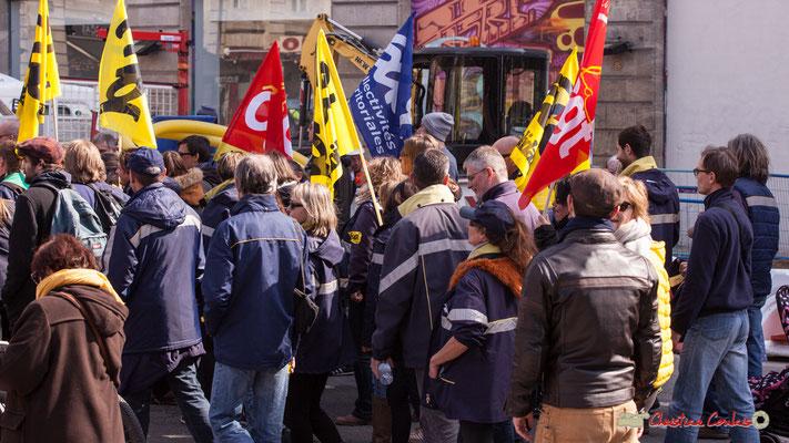 14h48 Sud Collectivités territoriales. Manifestation intersyndicale de la Fonction publique/cheminots/retraités/étudiants, place Gambetta, Bordeaux. 22/03/2018
