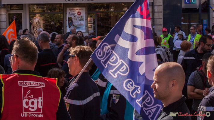 Pompiers Sud SPP et PA. Manifestation intersyndicale de la Fonction publique, place Gambetta, Bordeaux. 10/10/2017