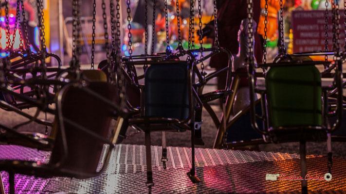 """""""Quant tout s'enchaine I"""" Au fil des allées de la Foire aux plaisirs. Bordeaux, mercredi 17 octobre 2018. Reproduction interdite - Tous droits réservés © Christian Coulais"""