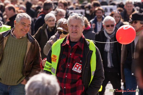 14h41 FO Service d'ordre. Manifestation intersyndicale de la Fonction publique/cheminots/retraités/étudiants, place Gambetta, Bordeaux. 22/03/2018
