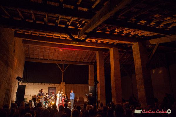 Une grange aux beaux volumes pour les concerts. Laure Sanchez Quintet & JAZZ360, Domaine de Sentout, Lignan-de-Bordeaux. 08/09/2018
