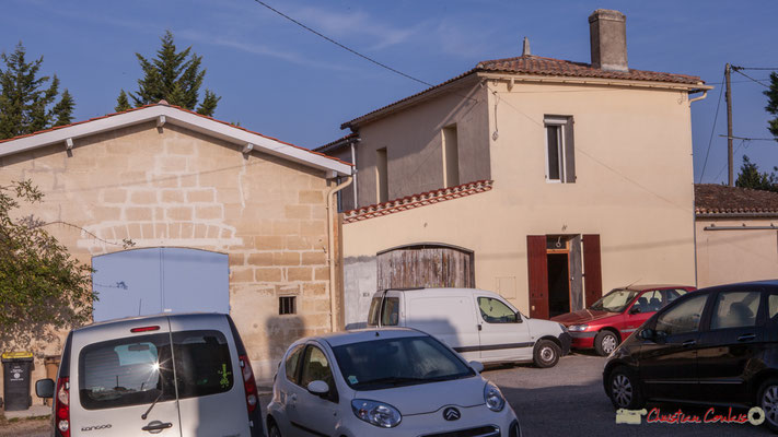 4 Habitats vernaculaires, place (privée) de Mons. Avenue de Mons, Cénac, Gironde. 16/10/2017