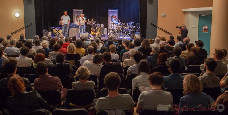 Salle culturelle de Cénac, Alain Piarou, Président d'Action Jazz, présente le lauréat du Tremplin Action Jazz 2016, le JarDin Quartet