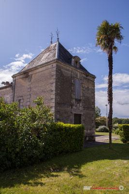 La tour de la Villa Argentina, avenue de la République, Cénac, Gironde. 13/05/2018