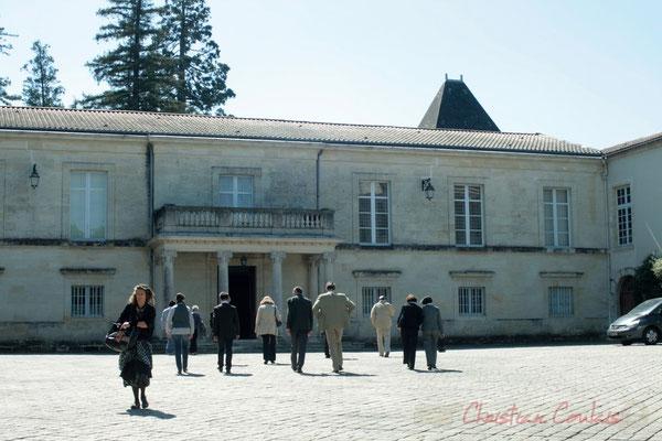 Cour du Château de Latresne, site de l'Aérocampus Aquitaine