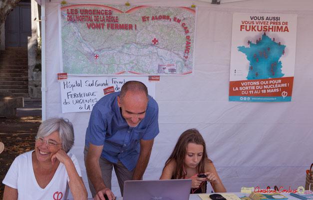 Loïc Prud'homme député de la Gironde à la Caravane rurale du groupe d'action de la France Insoumise, l'Estaca. Marché de la Réole, samedi 8 septembre 2018