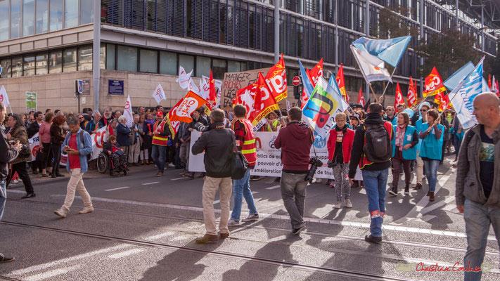 """""""Mangez 5 riches et légumes par jour"""". Manifestation intersyndicale de la Fonction publique, cours d'Albert, Bordeaux. 10/10/2017"""