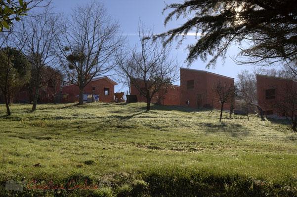 Construction de logements sociaux près de La Source, pôle culturel et social de Sallebœuf