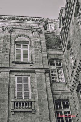 """""""Chambre de bonne ?"""" Quartier Saint-Michel, Bordeaux. Mercredi 24 juin 2020. Photographie © Christian Coulais"""