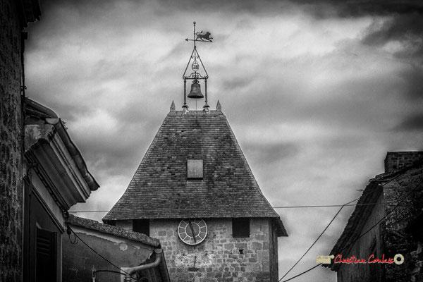 Toiture de la Porte de Beanuge. Cité médiévale de Saint-Macaire. 28/09/2019. Photographie © Christian Coulais