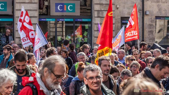 """ATTAC contre l'hégémonie de la finance. """"Ceci n'est pas une pub pour la banque CIC"""" Manifestation contre la réforme du code du travail. Place Gambetta, Bordeaux, 12/09/2017"""