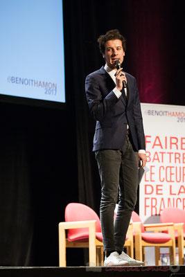 Jeune socialiste, présentateur des intervenants, Théâtre Fémina, Bordeaux. #benoithamon2017