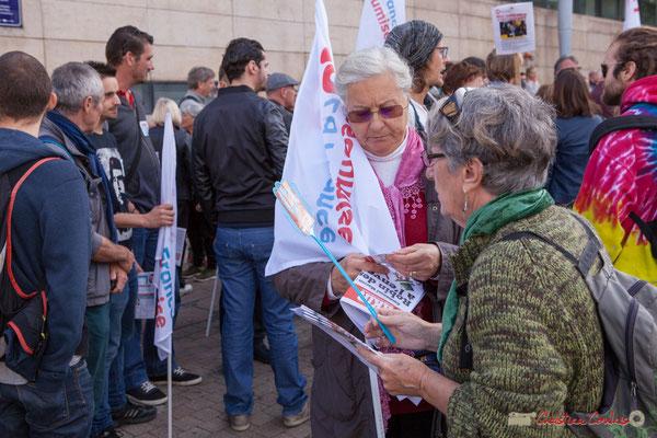 """""""Demandez Fakir"""" Manifestation intersyndicale de la Fonction publique, cours d'Albert, Bordeaux. 10/10/2017"""