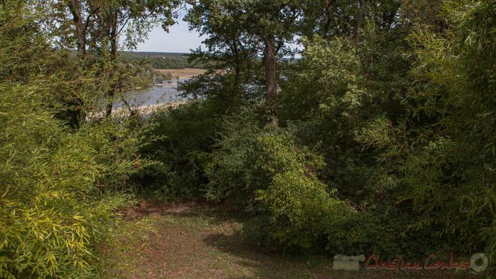 Le Jardin d'Orphée; point de vue privilégié sur la Loire, Domaine de Chaumont-sur-Loire. Mercredi 26 août 2015. Photographie © Christian Coulais