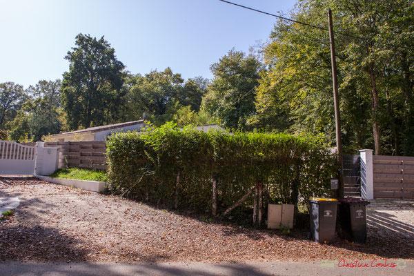 2 Face à ces propriétés anciennes, bois et constructions récentes.Avenue du Rauzé, Cénac, Gironde. 16/10/2017 2