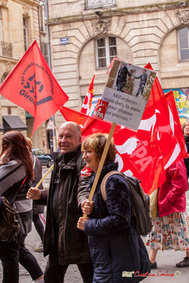 """10h56 ATTAC et NPA """"Milliardaires main dans la main pour plumer les pauvres"""" Place Gambetta, Bordeaux. 01/05/2018"""