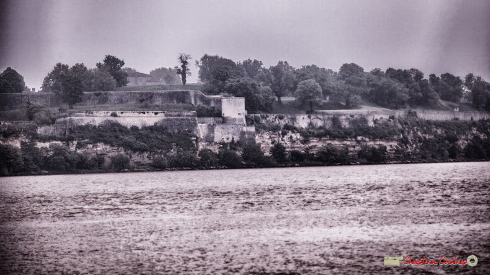Si loin, si proche, fortification de la Citadelle de Blaye, construite par Vauban. Visite de l'île Nouvelle. 06/05/2018