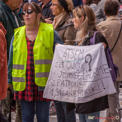 """""""A.T.S.E.M. de France"""" """"ATSEM c'est quoi ? 1 journée énorme, 2 patrons, 1 salaire rikiki""""Manifestation intersyndicale de la Fonction publique, place Gambetta, Bordeaux. 10/10/2017"""
