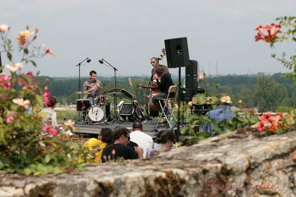 Philippe Bayle Trio; Didier Ottaviani, Iazid Ketfi, Philippe Bayle. Festival JAZZ360, Quinsac. 05/06/2011