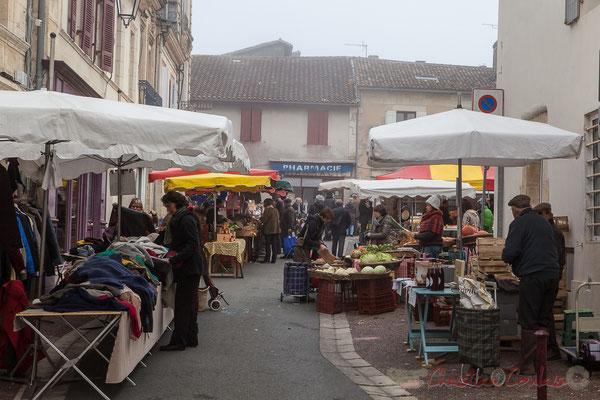 Entrée du marché, rue du Docteur Fauché, Créon, Gironde