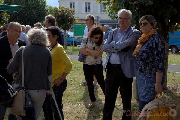 Jean-Philippe Guillemot, Maire de Camblanes et ses adjointes, Jean-Marie Darmian, Conseiller départemental de la Gironde, Catherine Veyssy, Conseillère régionale d'Aquitaine