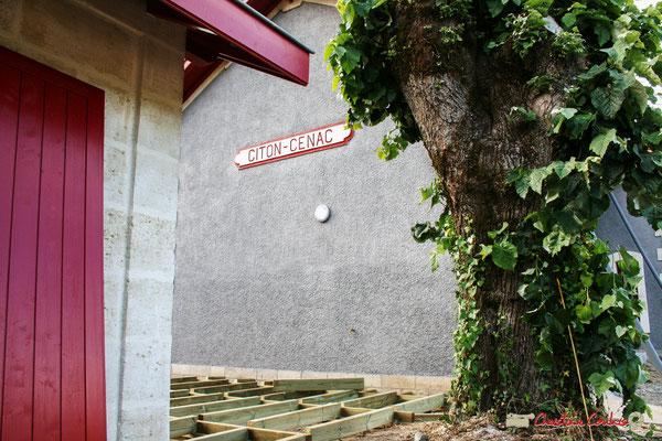 Gare ferroviaire de Citon-Cénac en cours de réhabilitation. Cénac, 01/06/2010