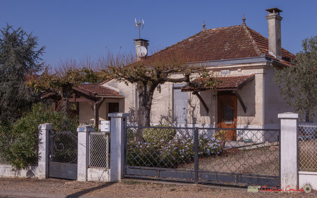 2 Habitat vernaculaire. Avenue de Lignan, Cénac, Gironde. 16/10/2017