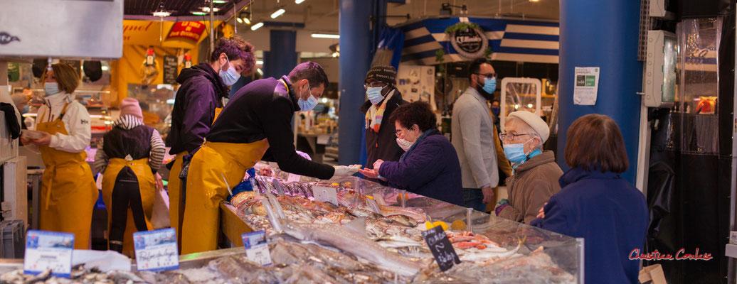 """""""Etal de poissons 1"""" Marché des Capucins, Bordeaux. Samedi 6 mars 2021. Photographie © Christian Coulais"""
