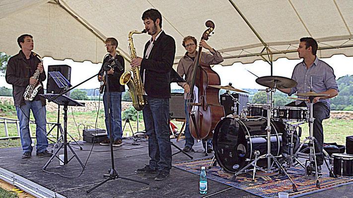 Laurent Robino, Clément Laval, Florian Marques, Guillaume Vallot, Hugo Raducanu; Naxee Quintet, Festival JAZZ360 2012, château Lestange, Quinsac. 10/06/2012