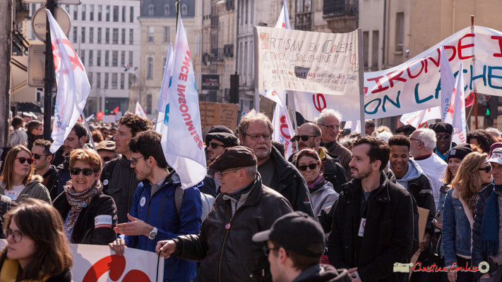 15h06 La France insoumise. Manifestation intersyndicale de la Fonction publique/cheminots/retraités/étudiants, place Gambetta, Bordeaux. 22/03/2018