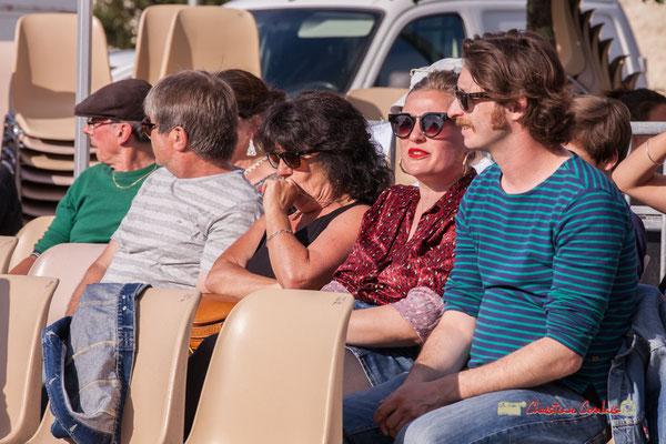 Le public passe un excellent moment avec Jujubees Swing Combo. Festival JAZZ360, Cénac. 08/06/2019
