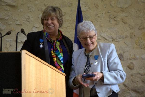 Nouvelle émotion. Françoise Cartron, Vice-présidente du Sénat remet à Suzette Grel la Médaille d'Or du Sénat. 7 février 2015, Le Pout