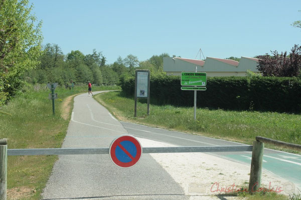 Latresne, piste cyclable Roger Lapébie, de Bordeaux à Sauveterre-de-Guyenne, 54 Km