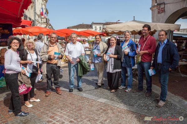 Les Insoumis de la 12ème circonscription de la Gironde, et autres sympathisants, au marché de Créon, 14 juin 2017
