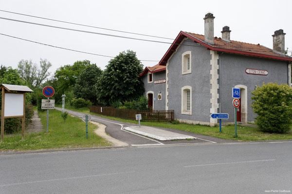 Gare ferroviaire de Citon par Jean-Pierre Couthouis. Cénac d'aujourd'hui. 14/05/2018