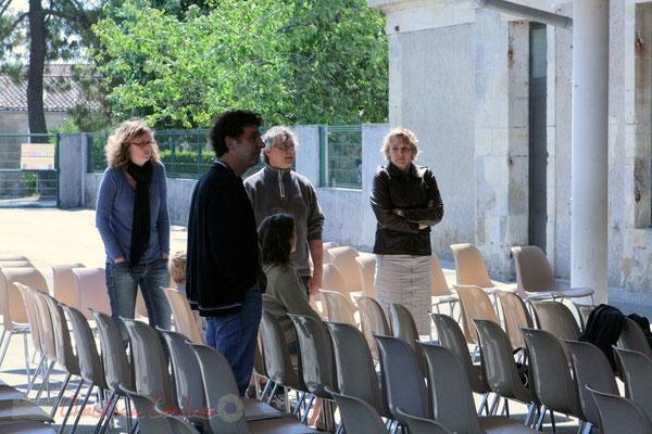 Richard Raducanu et les enseignant-es. Répétition JazzEcole, Festival JAZZ360 2011, Les coulisses du Festival à Cénac. 01/06/2011