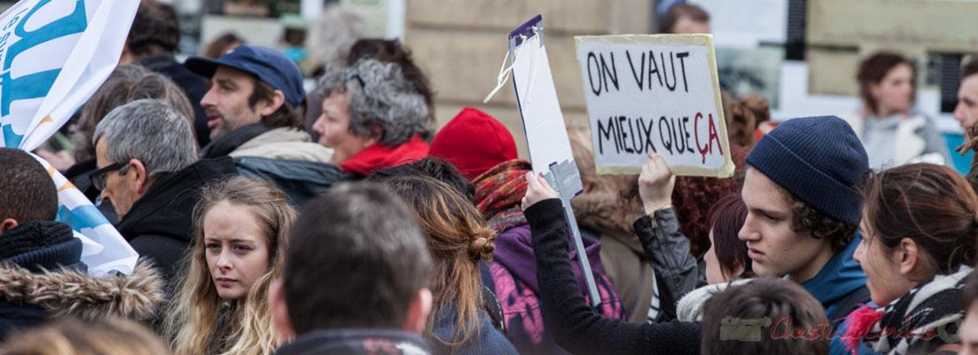 """14h27, """"on vaut meiux que ça"""". Place Gambetta, Bordeaux"""
