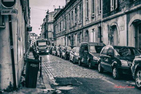 """4/5 """"éboueur : un métier indispensable comme aide-soignante et caissière"""" Quartier Saint-Michel, Bordeaux. Mercredi 24 juin 2020. Photographie © Christian Coulais"""
