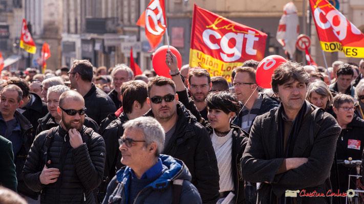 14h23 CGT Sud-Gironde, CGT Douanes. Manifestation intersyndicale de la Fonction publique/cheminots/retraités/étudiants, place Gambetta, Bordeaux. 22/03/2018