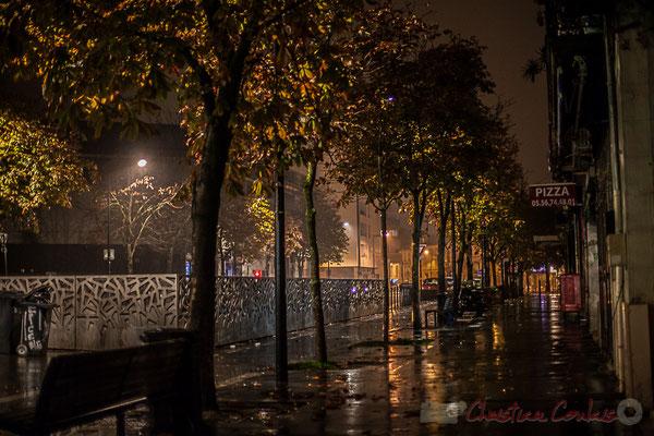Extérieur nuit. Rue Saint-Vincent-de-Paul, Bordeaux