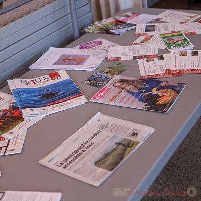 Présentation des supports de communication de la Mairie de Haux et un article Sud-Ouest sur ma prestation à l'initiation à la photographie numérique réalisée en 2016
