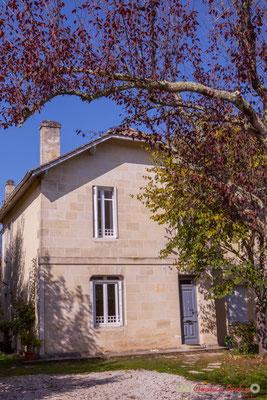Habitat vernaculaire. Avenue du bois du moulin, Cénac, Gironde. 16/10/2017