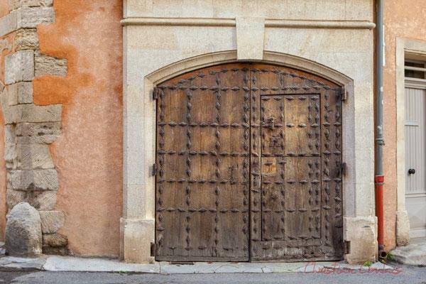 9 Porte double, Arles
