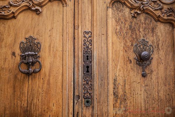 12a Détail de ferronnerie, porte double battant d'hôtel particulier, Arles