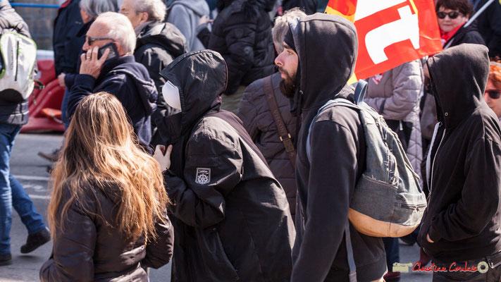 14h21 Quartet d'étudiant.es. Manifestation intersyndicale de la Fonction publique/cheminots/retraités/étudiants, place Gambetta, Bordeaux. 22/03/2018